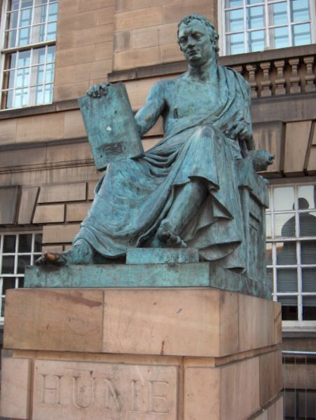 Estatua de Hume en Edimburgo