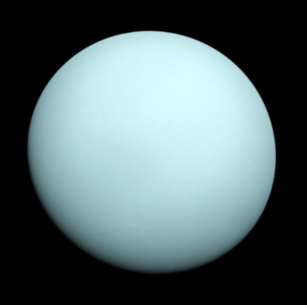 Urano fotografado por la Voyager 2