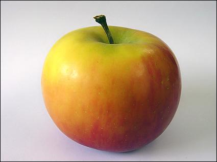 ¿Esta manzana es roja o verde?