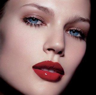 Natural-Eye-Makeup-and-Red-lips-001